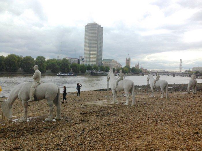 Totally Thames Fest art